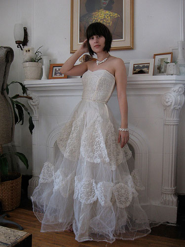 12-angie-vintage-wedding-dress_Sm