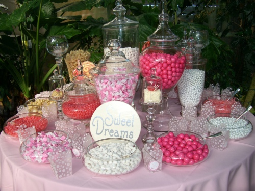 candy-buffet-favorite-pink-and-white1